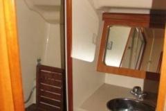 2007-hunter-38-bathroom