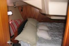 2007-hunter-38-bedroom