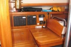 2007-hunter-38-eletrical-systems