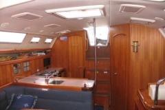 2007-hunter-38-interior