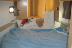 2015-helia-44-catamaran-bedroom