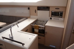 2018-jeanneau-51-vger-galley